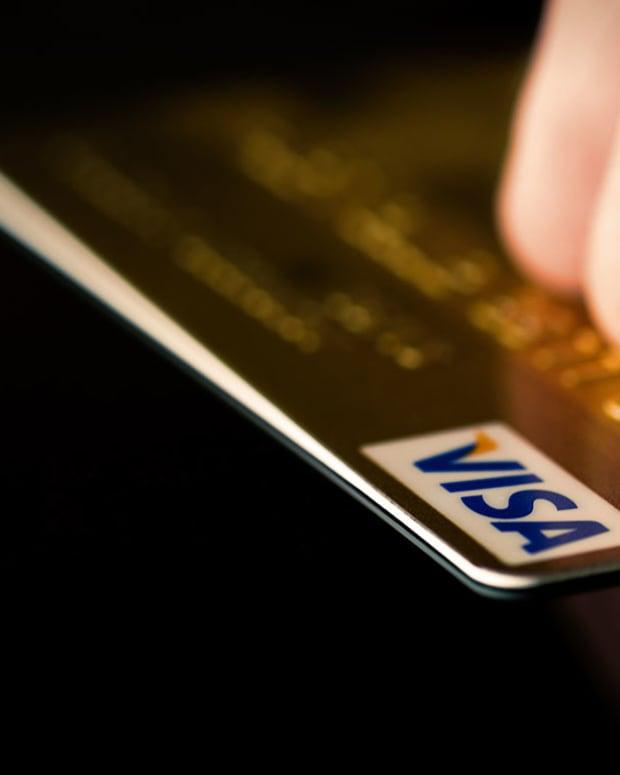 28 Visa Vastram : Shutterstock