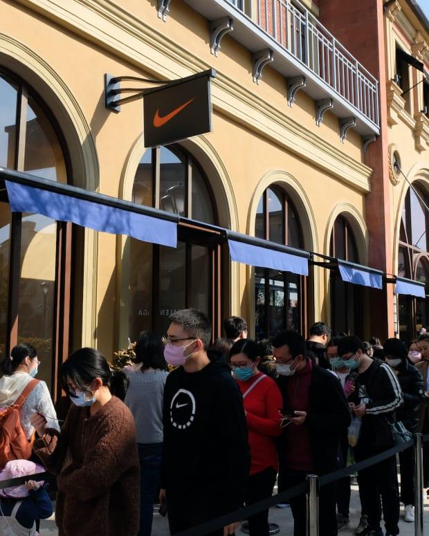 fea nike china covid mask shop retail Robert Way : Shutterstock