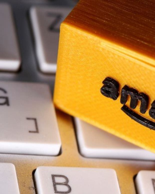 Amazon Bans Chinese Merchants For Alleged Attempts To Bribe Customers To Write Good Reviews