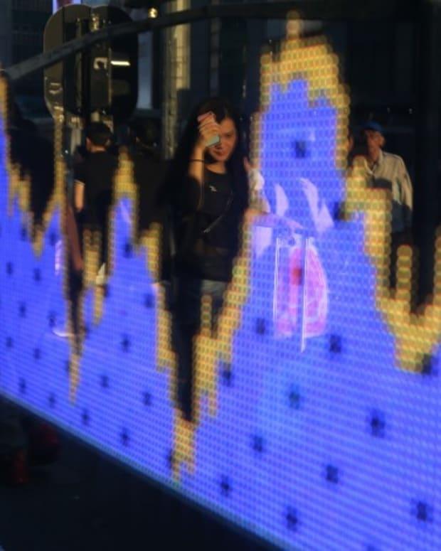 Hong Kong Stocks Add To Best Rally Since April As Beaten-down Tech Regains Favour