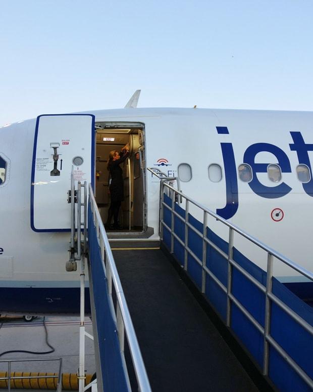 JetBlue Lead