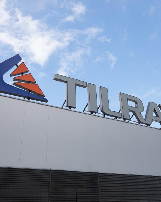 TILRAY_060