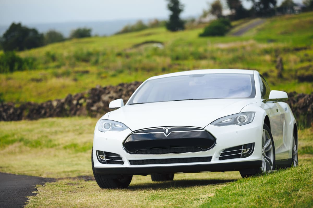 Electric Vehicle Checkpoint: Tesla Nears $1 Trillion Valuation