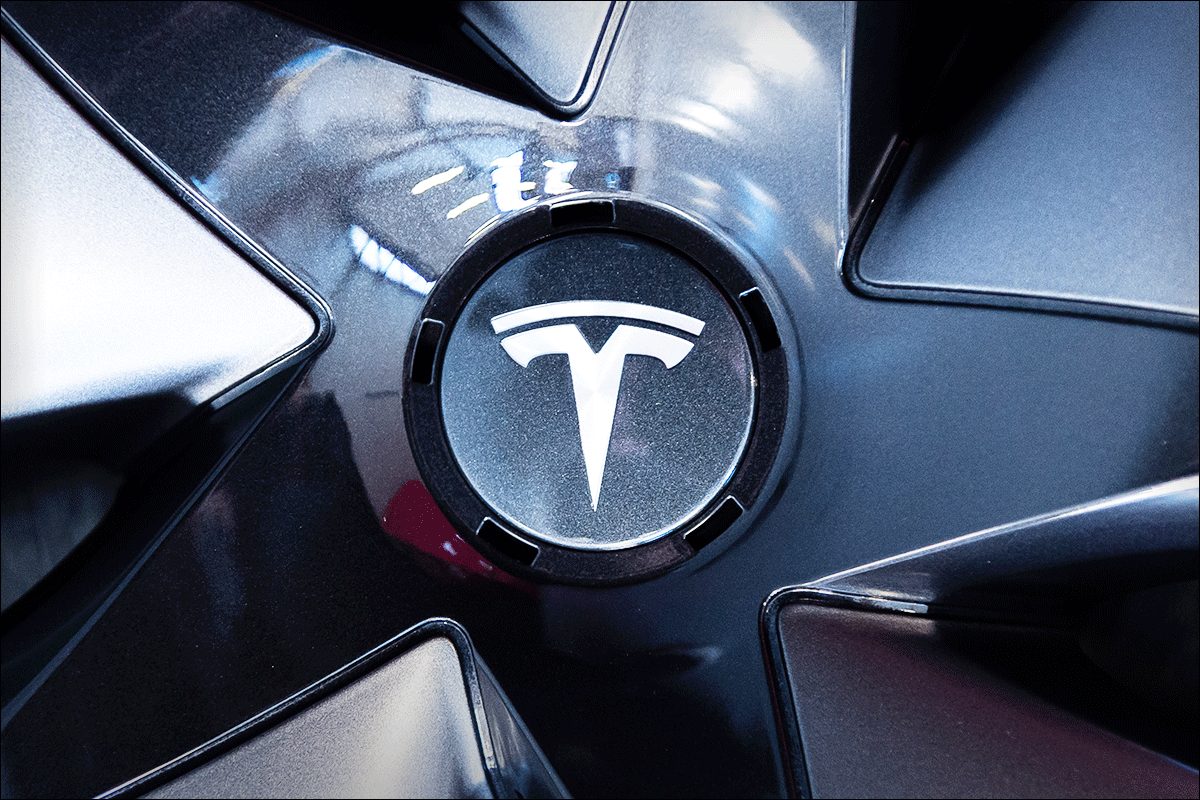 Tesla Extends Skid as Morgan Stanley Lays Out $10 Per Share 'Bear Case'
