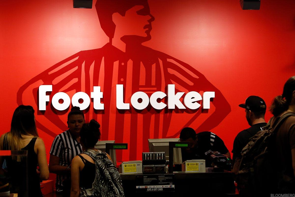 Buyers Need Foot Locker to Hold This Support Level Now