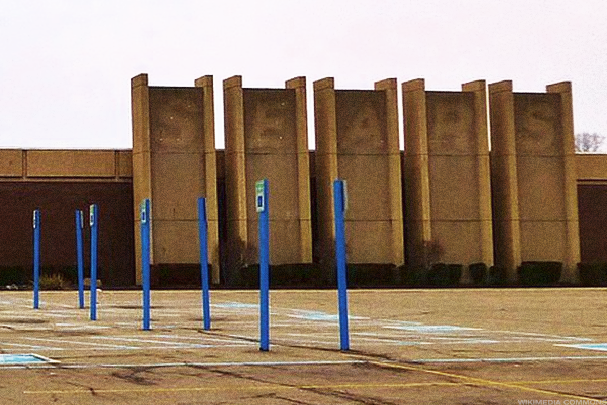 Sears could use Amazon's cash.
