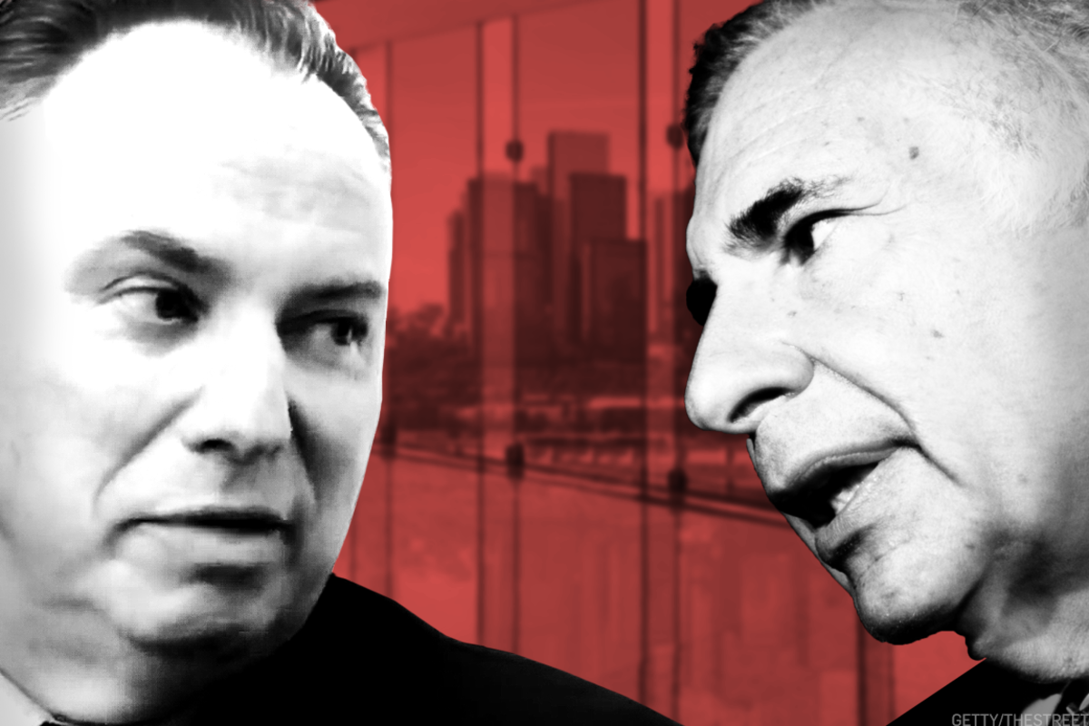 Jeff Jacobson (left) loses to Carl Icahn (right).