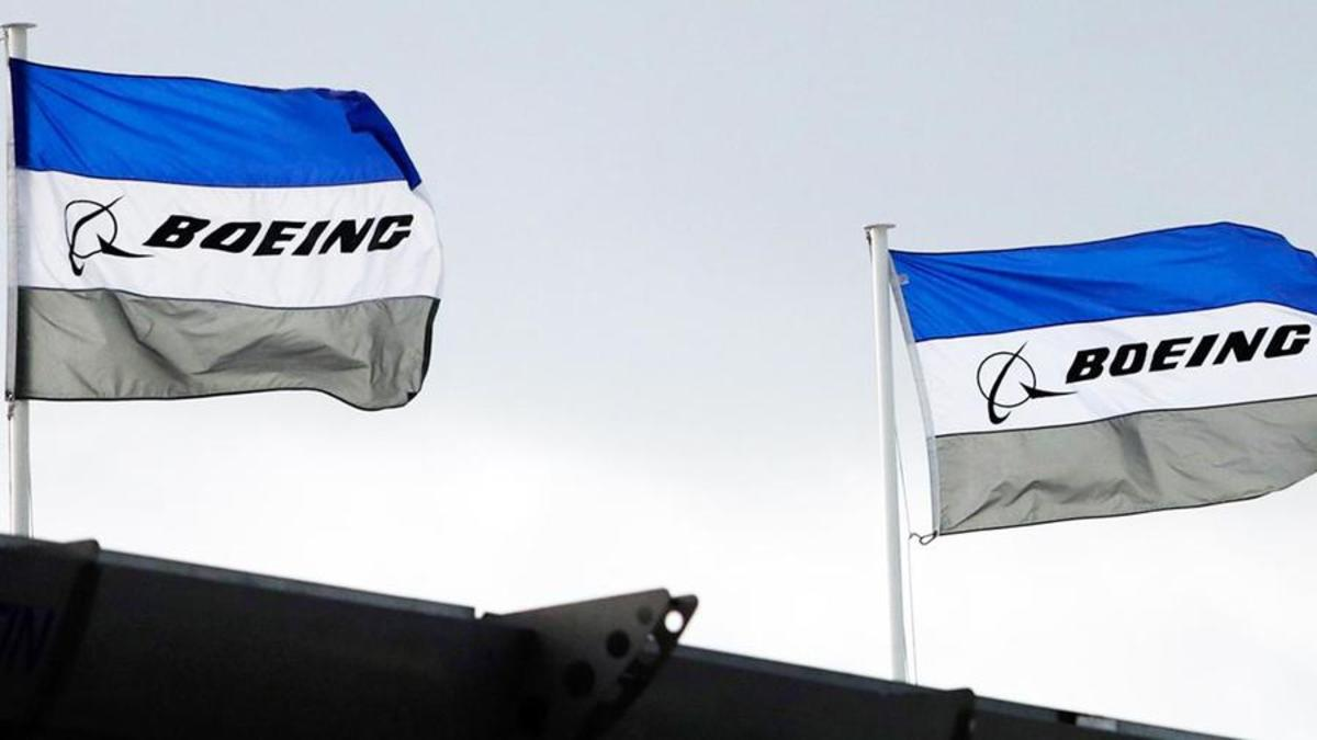 Boeing Addresses New 737 MAX Software Issue, Sending Stock Lower