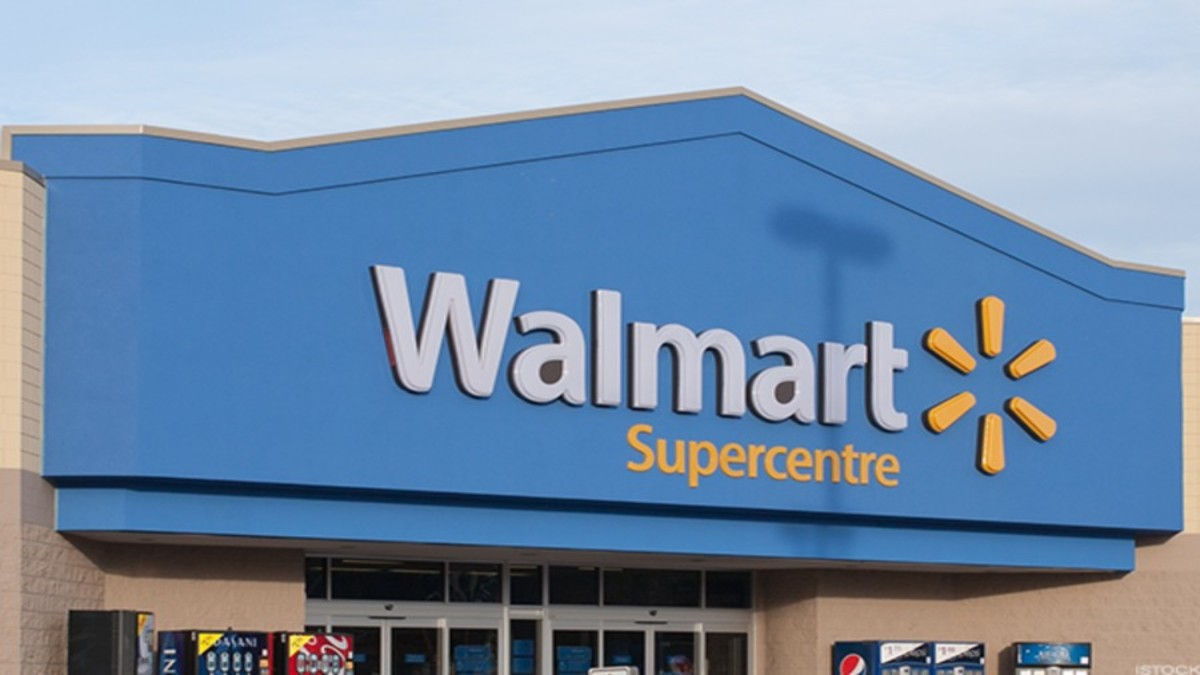 Walmart Forms Insurer to Sell Health Care Plans