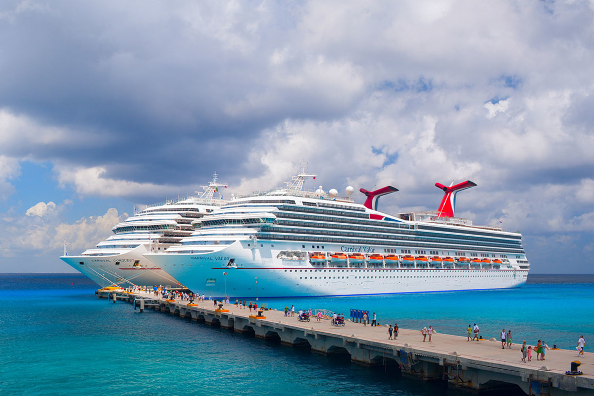 Carnival Conquest and Carnival Valor