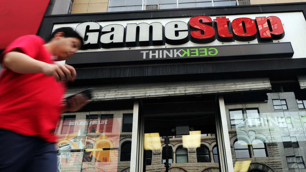 Jim Cramer: Making GameStop an Amazon Rival Is 'Absurd'