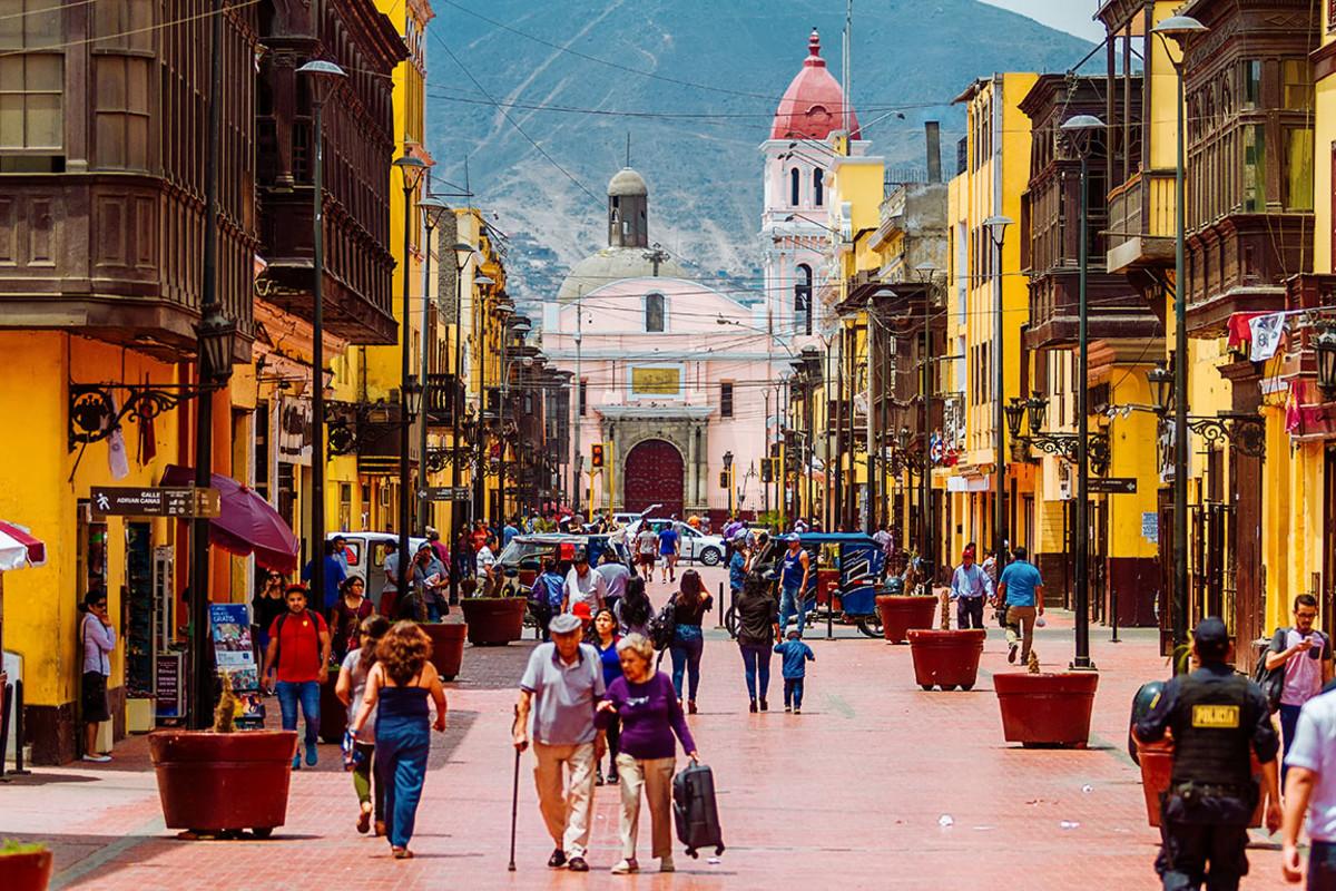 21 Lima Peru Simon Mayer : Shutterstock