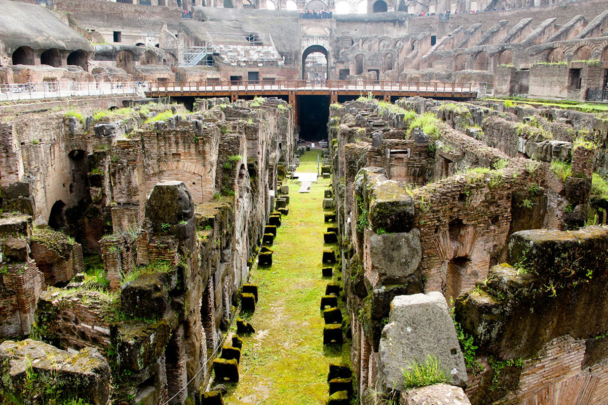 3 rome colosseum3 Nuntiya : Shutterstock