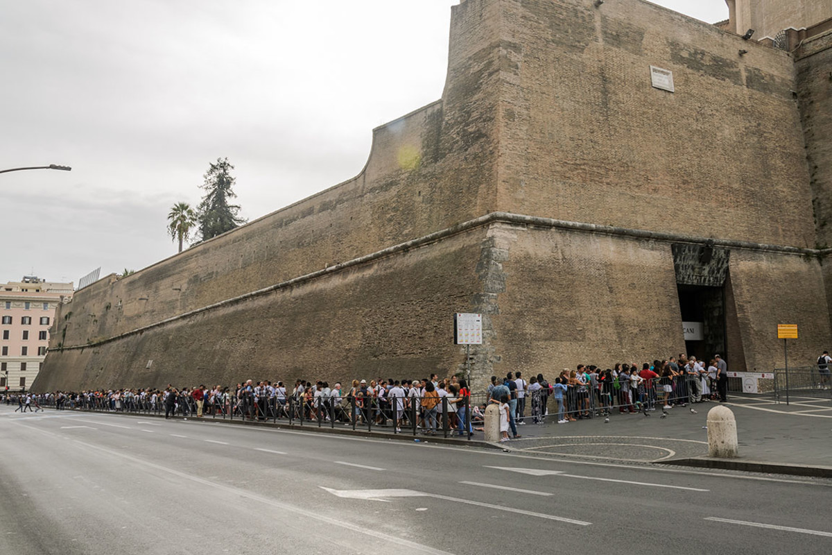 7 vatican lines rome Volodymyr Nik : Shutterstock