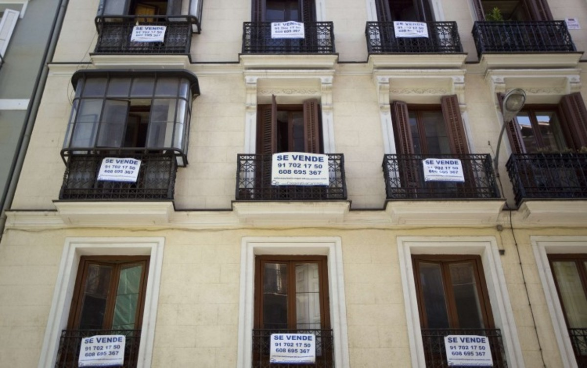 Coronavirus Makes UK, Spain And France Top Choices For Homebuyers Seeking To Relocate, Survey Shows
