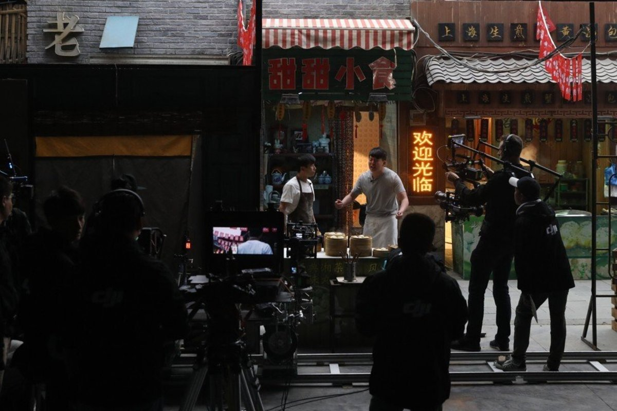Actors on a film set in a 10,000-square-meter studio of Wanda Oriental Movie Metropolis in Qingdao, Shandong province on 28 April 2018. Photo: EPA-EFE