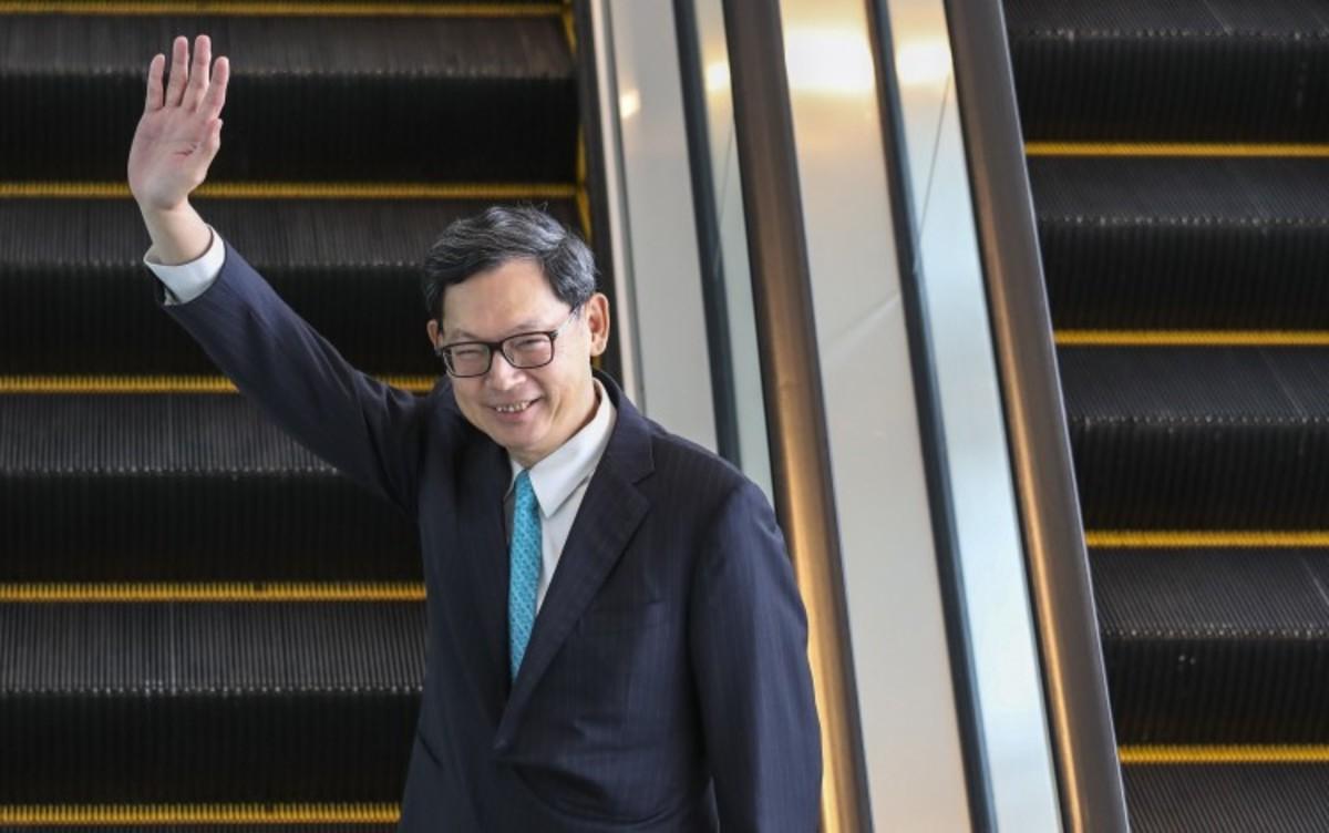 Former HKMA Chief Executive Norman Chan Latest Bureaucrat To Join Fintech Bandwagon, Sets Up Digital Payment Firm