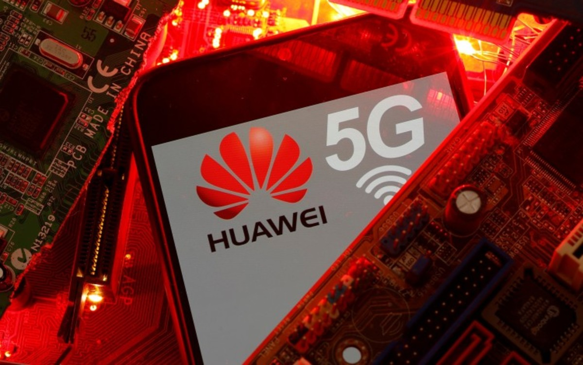 Huawei Marks First Drop In China Shipments Since 2014 Amid US Sanctions, Sees Market Share Shrink