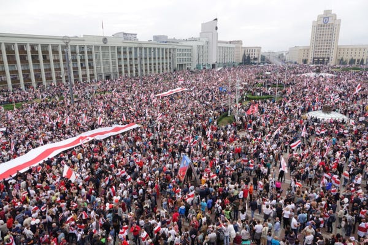 Thousands of people gather in Minsk to call for the resignation of President Alexander Lukashenko, on Aug. 23, 2020. Ulf Mauder/picture alliance via Getty Images