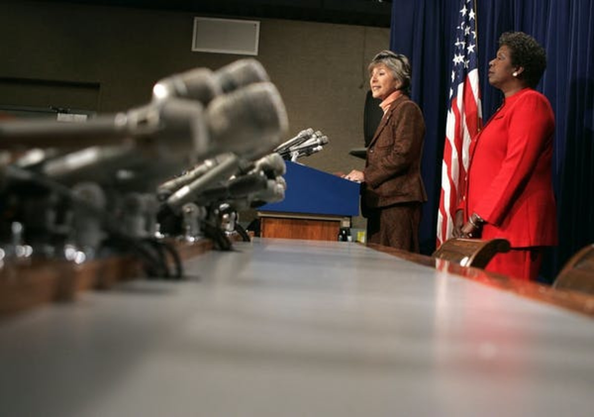 U.S. Sen. Barbara Boxer and U.S. Rep. Stephanie Tubbs Jones announce their objection to the certification of Ohio electoral votes Jan. 6, 2005. Mark Wilson/Getty Images