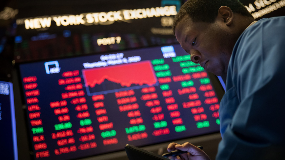Dow Futures Climb As Arizona Recount Win Cements Biden White House Path; COVID Infection Surge Caps Gains