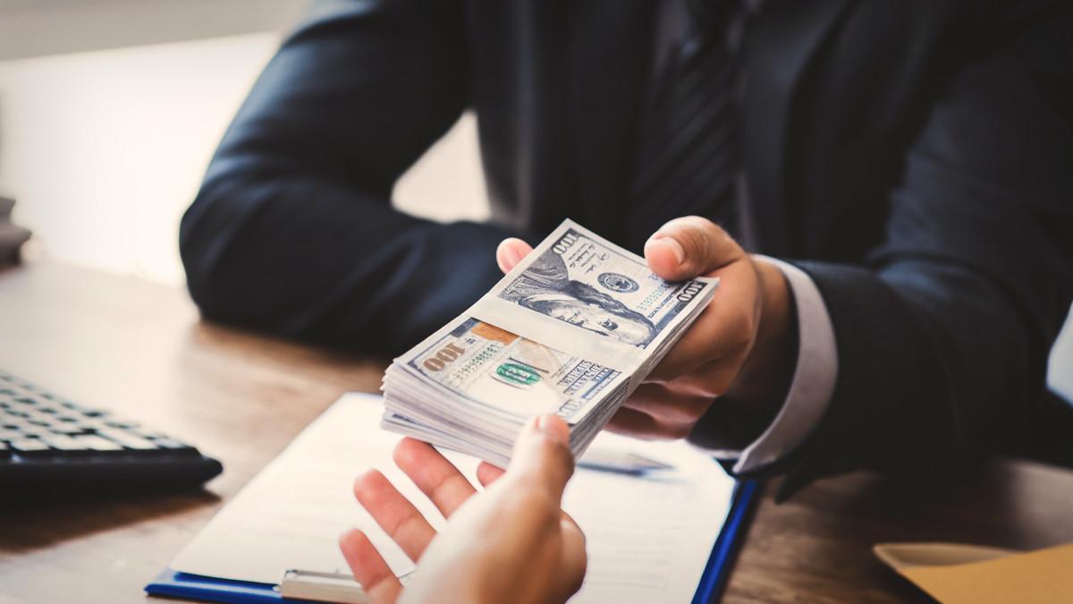 наличными предоставлен заем работнику организации