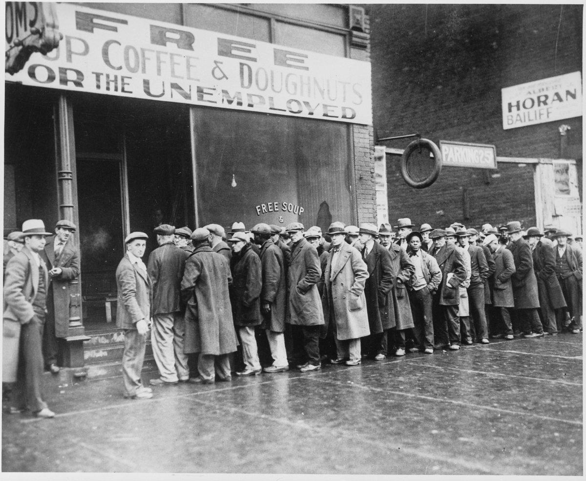 unemployment_queue.jpg
