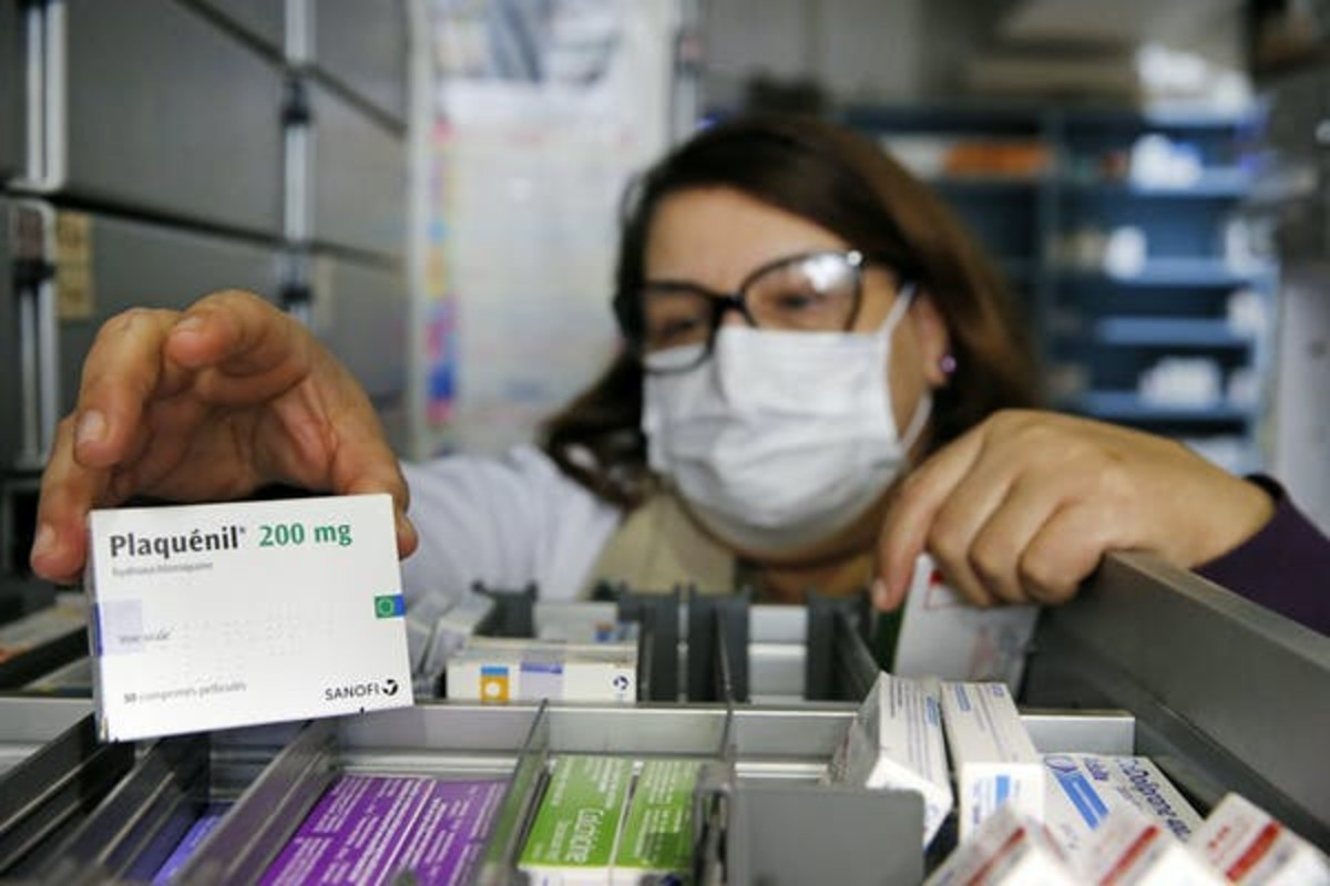 A box of hydroxychloroquine, marketed under the name of Plaquenil, in a Paris pharmacy. Getty Images / Chesnot