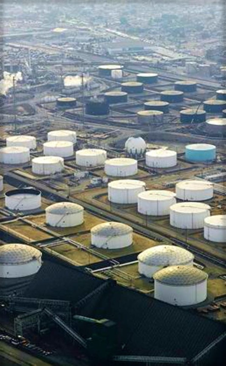Oklahoma's Cushing oil storage facility, the largest in the world. Crude Oil Daily