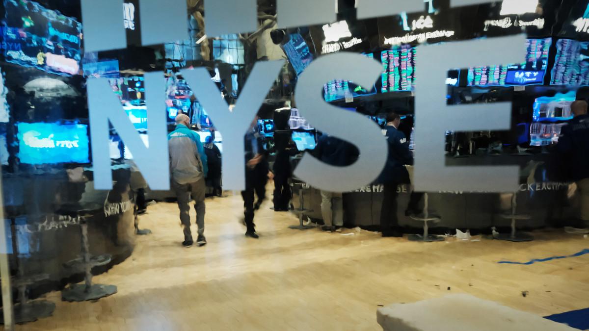 Dow Futures Gain As Markets Eye Stimulus 'Deadline', Rising Coronavirus Infections
