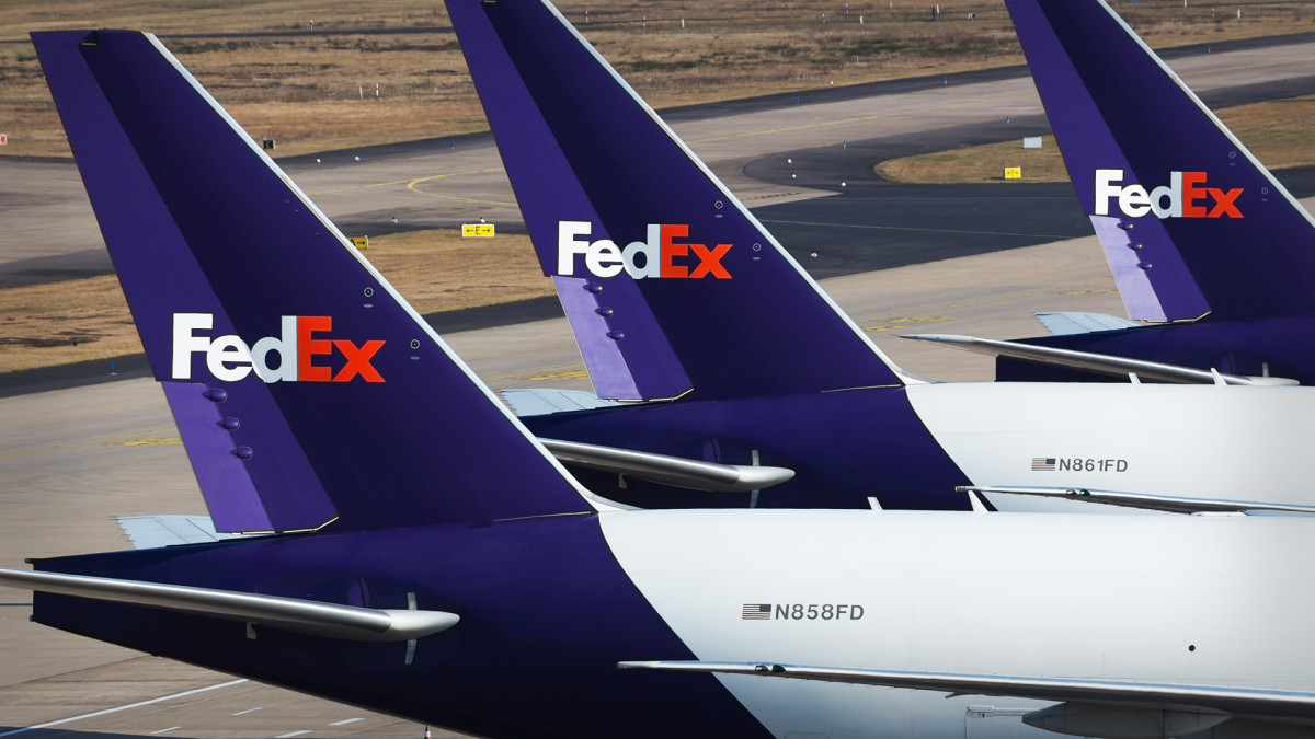 FedEx Is a Sell, Guilfoyle Says