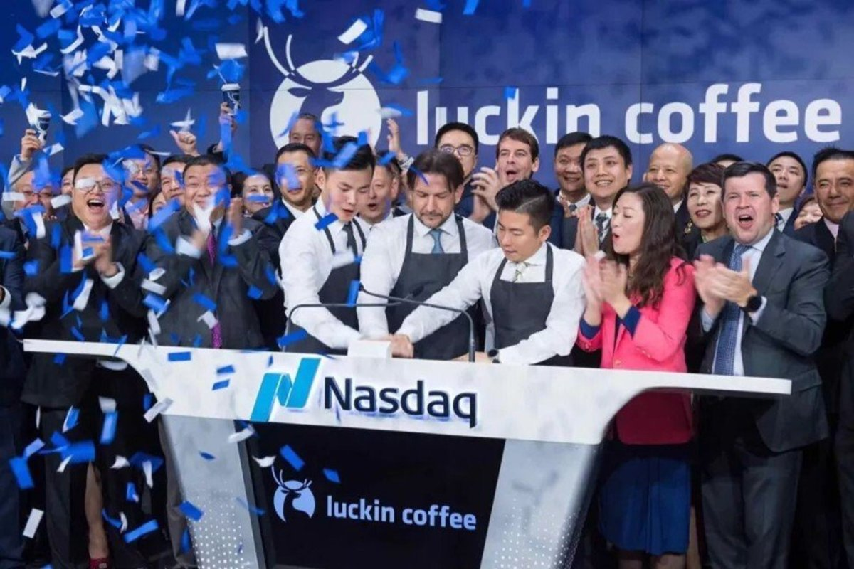 Luckin Coffee's management team at the launch of the company's Nasdaq listing in May 2019. Photo: finance.china.com.cn