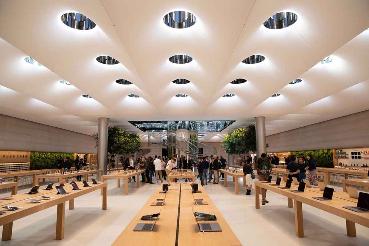 Figure 1: InsideApple's iconic cube store in New York City.