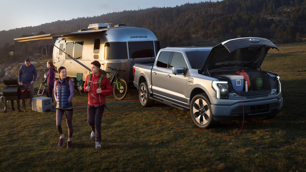 Sunrun Jumps on Ford Alliance for Electric F-150 Pickup ...