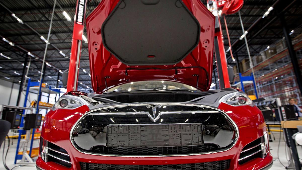 Market Recap With Jim Cramer: Buy Tesla, Gap, Nvidia, Roblox and Wynn