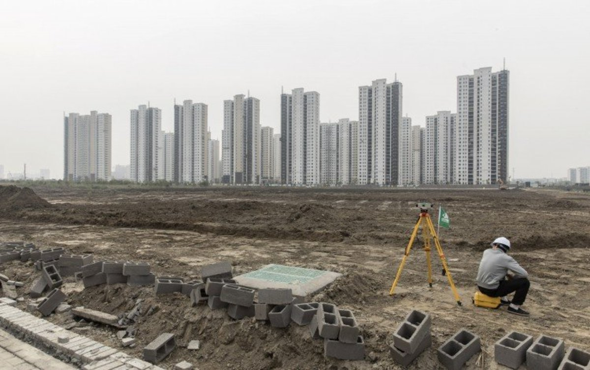 Beijing Once Again Warns Investors Against Betting On China's Red-hot Residential Property Market