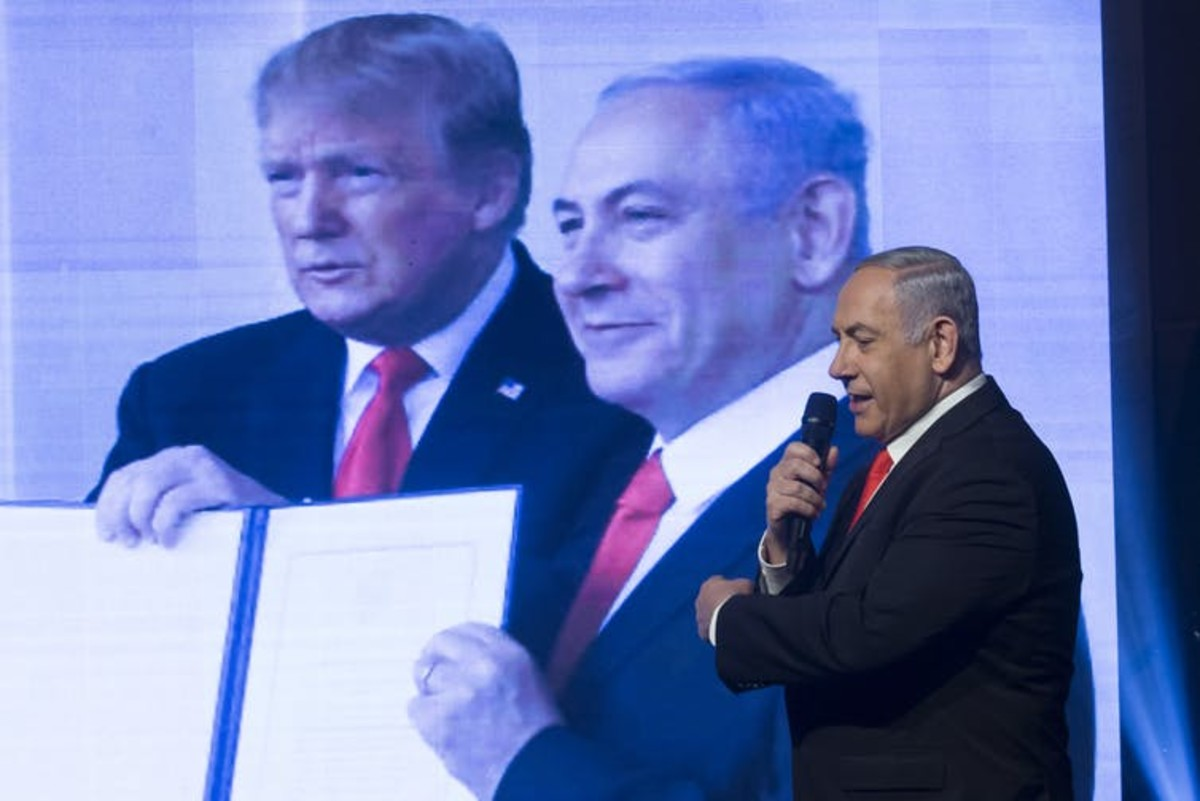 Netanyahu, here at a 2020 campaign rally, made much of his relationship with U.S. President Donald Trump – emulating much of his authoritarian rhetoric. Amir Levy/Getty Images