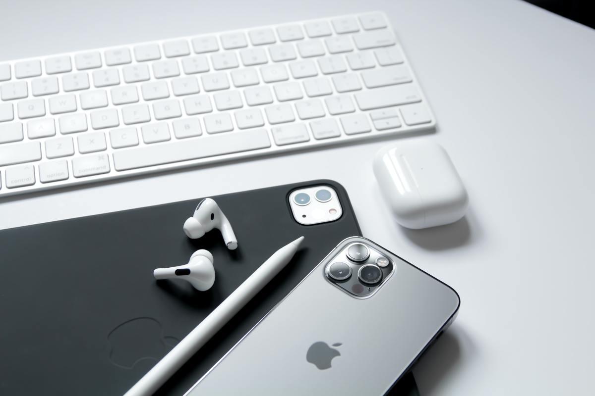Figure 1: Apple's product ecosystem.
