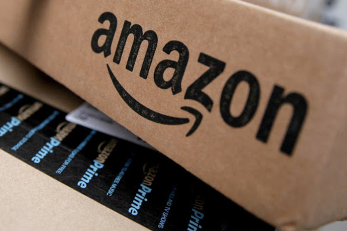 Figure 1: Amazon logo in a box.