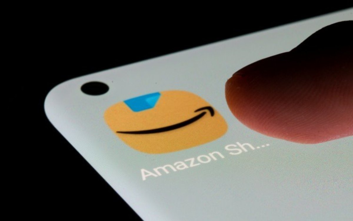 Tech Stocks Roundup: Jim Cramer Disappointed by Amazon Earnings