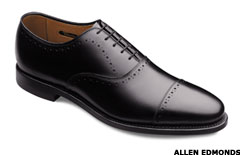 bb5989c2 These Men's Shoes Are a Step Above - TheStreet
